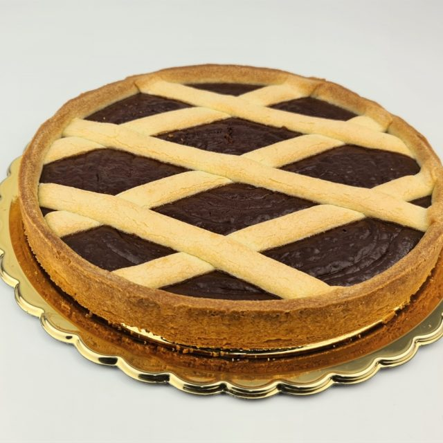https://www.animadolce.it/wp-content/uploads/2020/10/crostata-cioccolato-640x640.jpg